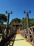 Een paviljoen in een kleine tuin Stock Fotografie