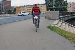 Een personenvervoer een fiets Royalty-vrije Stock Afbeelding