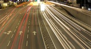 Een perspectief van een weg tijdens nacht Royalty-vrije Stock Afbeelding