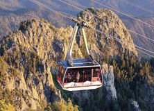 Een Piek Lucht het Tramspoor Bergopwaartse Tram van Sandia stock foto's