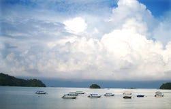 Een pier in pangkoreiland, Maleisië Stock Afbeelding