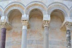 Een pijlerdeel van een gebouw in Pisa - Italië Stock Afbeelding