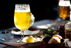 Een pint van Bier Stock Afbeeldingen