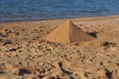 Een piramide van zand Royalty-vrije Stock Afbeelding