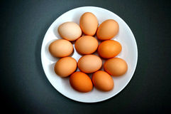 Een plaat van eieren Stock Foto's