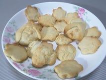 Een plaat van verse koekjes Royalty-vrije Stock Foto's