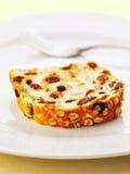 Een plak van rozijnenbrood Stock Afbeelding