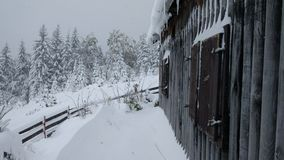 Een plattelandshuisje in de bergen royalty-vrije stock foto