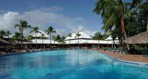 Een pool is in een stil hotel Stock Foto