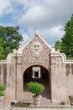 Een poort bij taman het waterkasteel van Sari - de koninklijke tuin van sultanaat van Jogjakarta Royalty-vrije Stock Fotografie