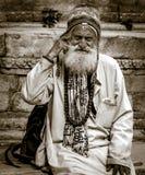 Een portret van de oude man wordt geschoten die royalty-vrije stock afbeeldingen