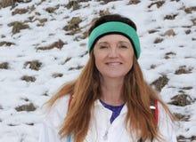 Een Portret van een Vrouw in de Sneeuw Royalty-vrije Stock Foto's
