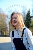 Een portret van meisje het lachen Stock Foto