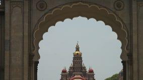 Een prachtige mening van een Indische tempel stock footage