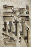 Een reeks archeologische sleutels stock afbeelding