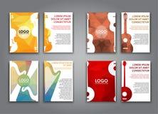 Een reeks brochures met veelhoekige muzikale instrumenten Stock Fotografie