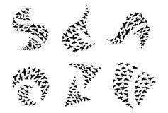 Een reeks emblemen van vliegende silhouetten van vogels Inzamelingsembleem met een troep van vogels Vector illustratie vector illustratie