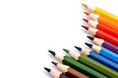 Een reeks kleurrijke potloden Stock Afbeeldingen