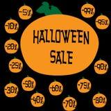 Een reeks kortingsetiketten voor de Halloween-vakantieverkoop Stock Foto's