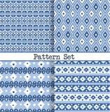 Een reeks naadloze blauwe en witte oosterse uitstekende Marokkaanse patronen voor stof, het verpakken, ontwerp en achtergronden stock illustratie