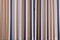 Een reeks stro van multicolored plastic buizen voor de achtergrond royalty-vrije stock afbeelding