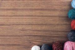 Een reeks van garen voor het breien Stock Afbeeldingen