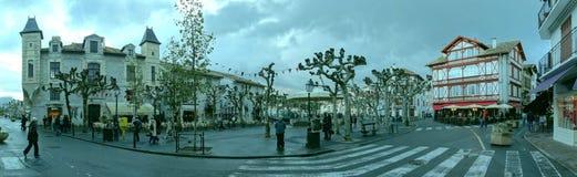 Een regenachtige de herfstdag in Heilige Jean de Luz royalty-vrije stock afbeelding