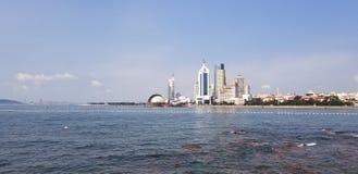 Een reis aan de kustlijn van Qingdao, China stock foto's