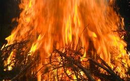 Een reusachtige en ongelooflijk mooie brand Royalty-vrije Stock Foto's