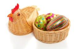 Een rieten Pasen kip royalty-vrije stock foto's