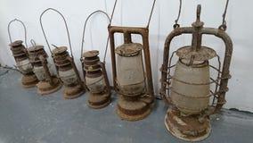 Een rij van de davy lichten van de onweerslantaarn stock afbeelding