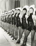Een rij van refreinmeisjes Royalty-vrije Stock Foto's