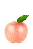 Een rijpe Rode Appel met Blad Royalty-vrije Stock Foto