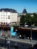 Een Rondvaart in de Rivierfuif met zijn kunstwerken en architectuur is een favoriet met toeristen stock afbeeldingen