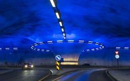 Een rotonde in de Vallavik-Tunnel stock foto