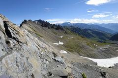 Een rotsachtige bergpas op de manier aan Mont Blanc Noordelijk Italië Stock Foto