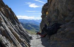 Een rotsachtige bergpas op de manier aan Mont Blanc Noordelijk Italië Stock Afbeelding