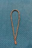 een rozentuin op de mat, gebed royalty-vrije stock afbeelding