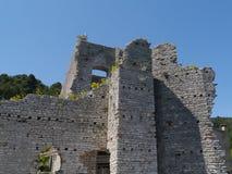 Een ruïne in Polace op Mljet in Kroatië Stock Foto