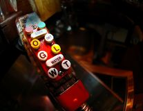 Een rustieke pop automaat stock foto