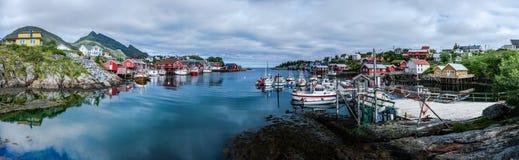 Een rustig en gezellig ouderwets visserijdorp stock foto