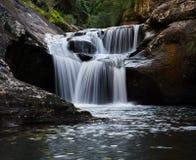 Een rustige waterval lange blootstelling Royalty-vrije Stock Foto