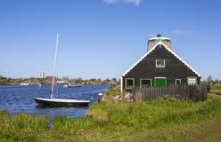 Een schilderachtig etnografisch dorp Zanes-Schans nederland stock afbeeldingen