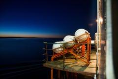 Een schip met lading in het overzees royalty-vrije stock foto