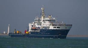 Een schip op de oceaan Royalty-vrije Stock Fotografie