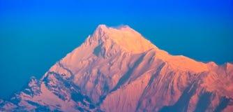 Een schitterende Piek, grote Kangchenjunga in Machtig Himalayagebergte stock afbeeldingen