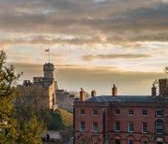 Een schot van Lincoln Castle Ruins bij zonsondergang royalty-vrije stock foto's