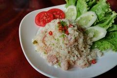 Een schotel van gebraden rijstwhit zuur varkensvlees Stock Foto
