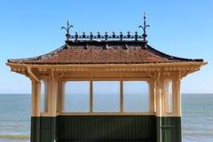 Een Schuilplaats bij de Kust stock afbeelding