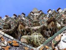 Een sectie van Wat Arun in Bangkok Thailand wordt gevonden dat stock foto's